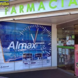 Escaparate farmacia almirall
